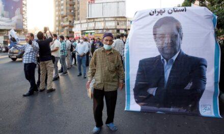 Los iraníes, preocupados por la crisis económica y apáticos ante los comicios