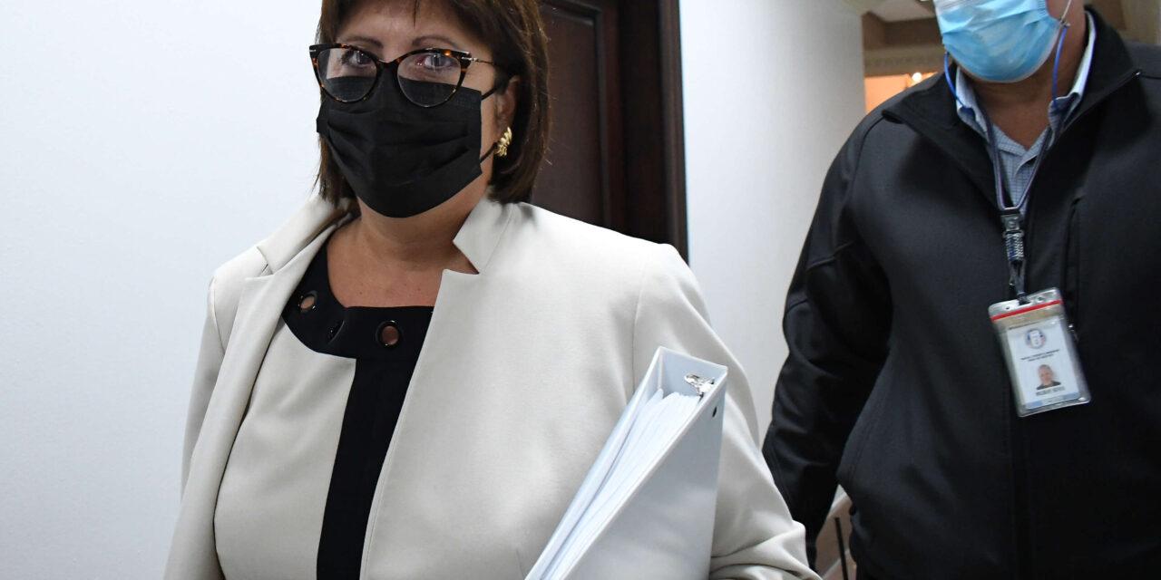 Sindicatos urgen al gobierno a «no dejarse chantajear» por la Junta Fiscal