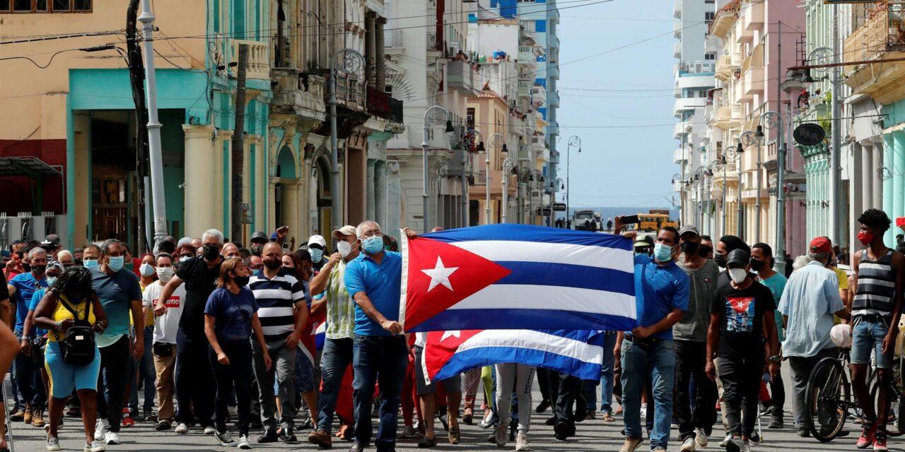 Biden evalúa si EE.UU. puede «restaurar» el acceso a internet en Cuba