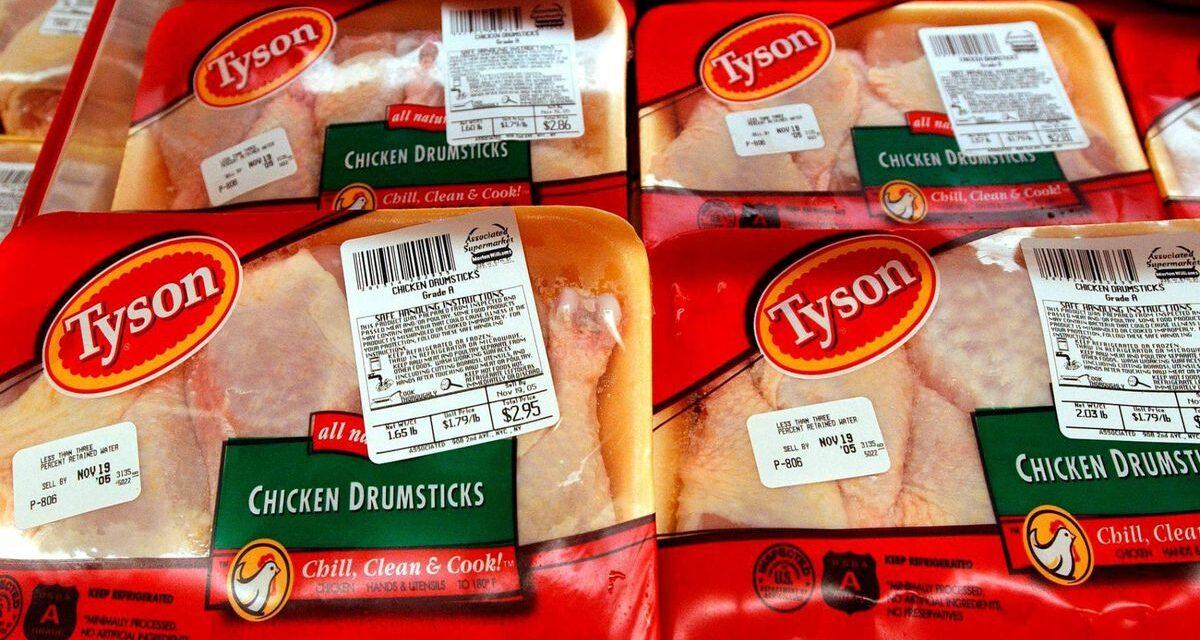 Tyson Foods retira 8,5 millones de libras de pollo del mercado en EEUU