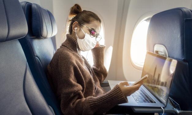 Aerostar dice es compulsorio uso de mascarillas en aeropuerto y aviones