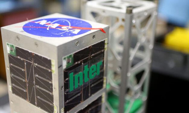 Al espacio primer satélite boricua