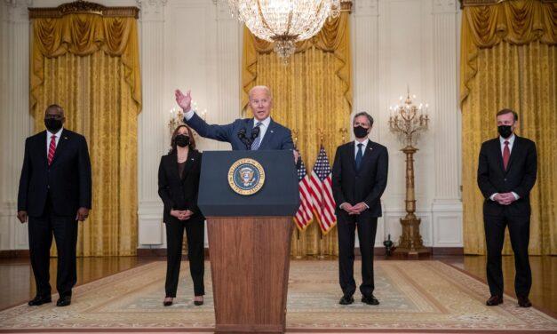 EEUU evacúa a 3.800 personas de Afganistán en las últimas 24 horas