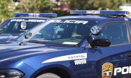 Conductora impacta a policía en Toa Alta