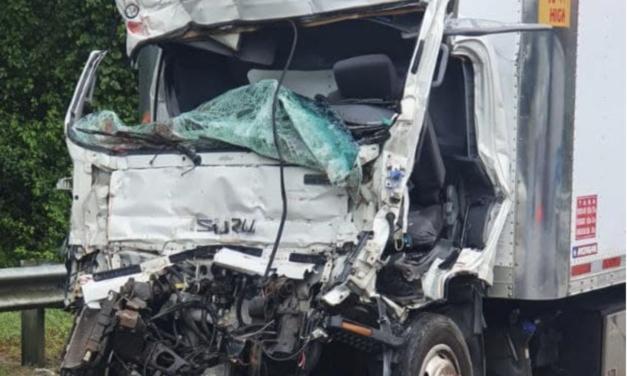 AVISO: DTOP abre gratis carril dinámico tras accidente entre camiones