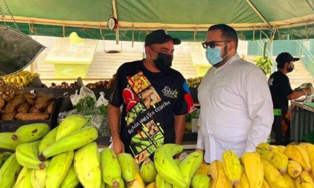 Promueven los productos agrícolas
