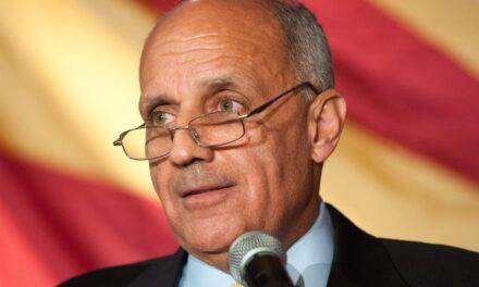 El excirujano general de EE.UU. Carmona será el orador principal de una cumbre en Puerto Rico
