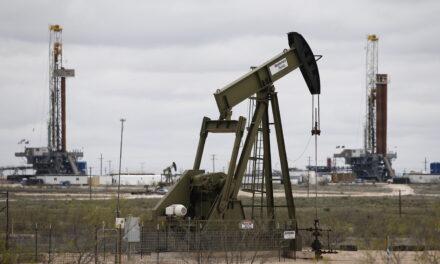 El petróleo de Texas cierra con un alza del 0,8 %, hasta los 71,64 dólares el barril