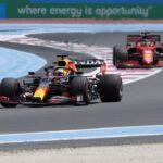 Verstappen contiene a los Mercedes y Alonso sorprende en Francia