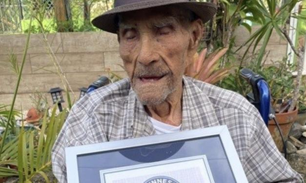 El puertorriqueño Emilio Flores, de 112 años, el hombre más longevo del mundo