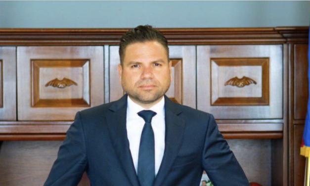 Director de Ética Gubernamental reacciona a la compra de vehículos lujosos con fondos públicos