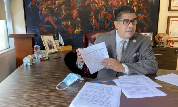Cámara de Representantes demanda a la Junta en Boston