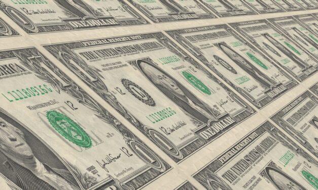 El aumento al salario mínimo lo pagará el consumidor, advierte presidente Cámara de Comercio