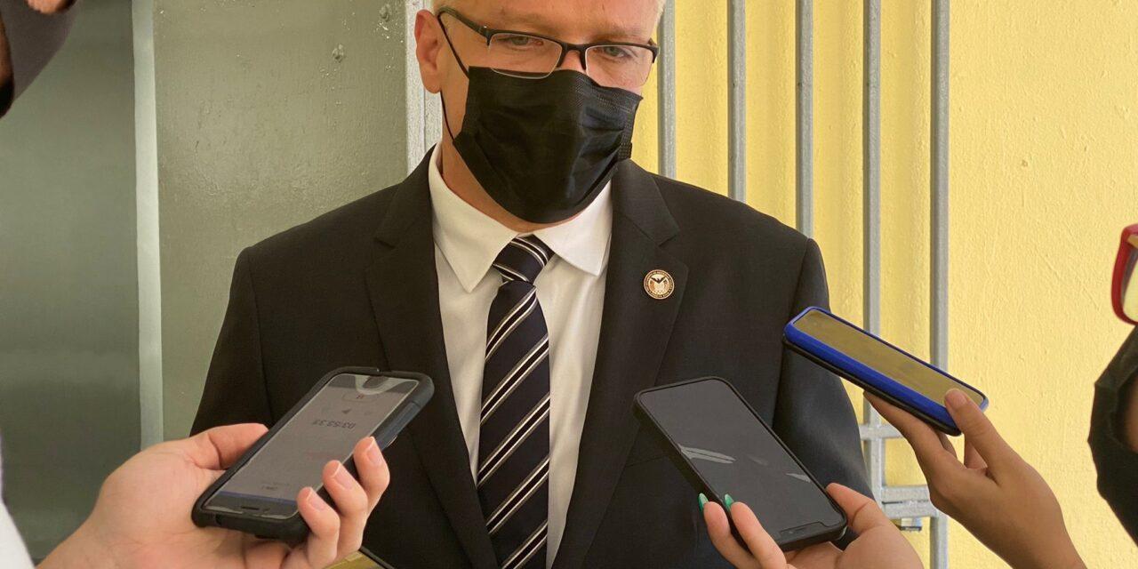 Renuncian comisionados de Bomberos y Emergencias Médicas