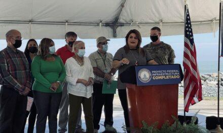 Inauguran proyecto con fondos federales para atajar la erosión costera en Loíza