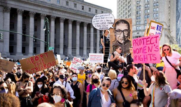 Miles de mujeres protestan en Estados Unidos a favor del aborto